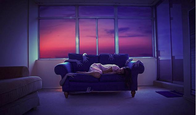 medo pesadelo sofa